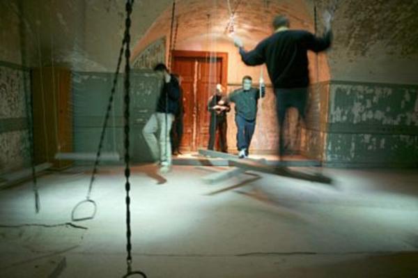 fångarna på gården göteborg